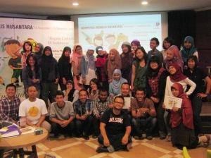 Pembicara dan peserta Lokakarya Tulis Nusantara 2012