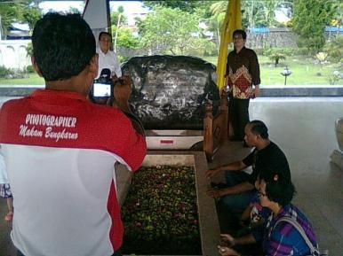 Fotografer di Makam Bung Karno