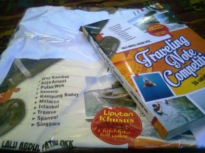 Selain jalan-jalan gratis, penulis juga dapat kaos dan bukti terbit TNC