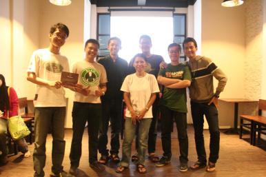 Bersama Mbak Ary Amhir di acara obrolan sabtu FFI Surabaya