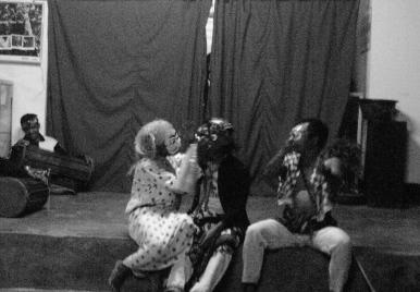 Inaq Bangkol, Cupak, dan Amaq Bangkol dalam lakon teater Cupak Gurantang